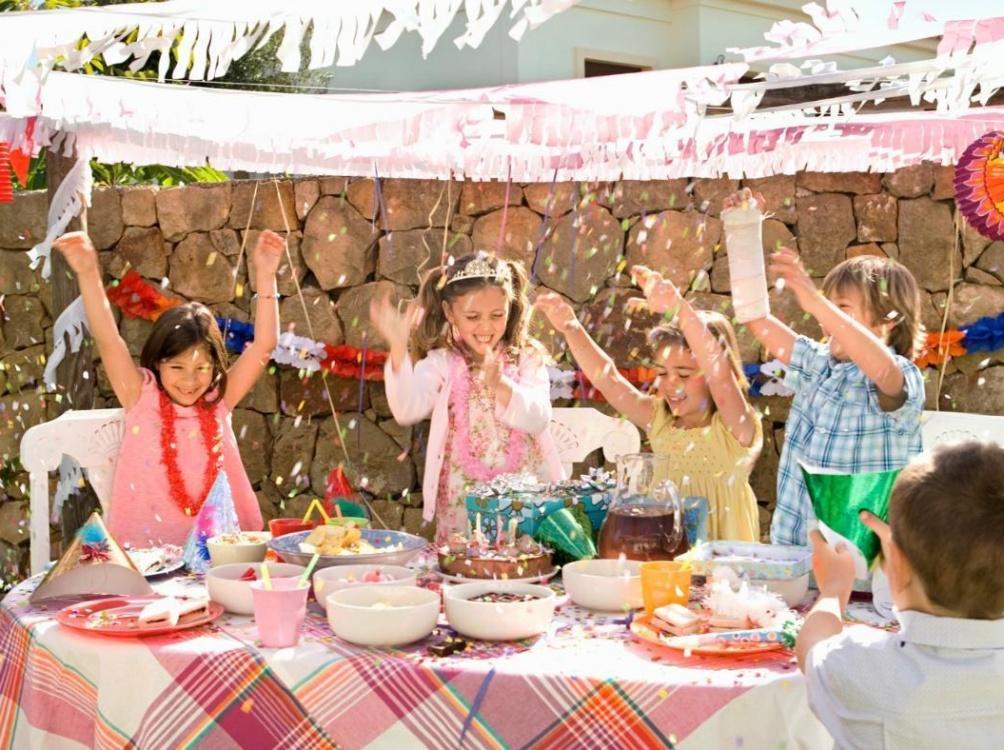 5 idei de petreceri în aer liber pentru copii